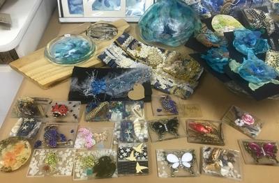 Fridge magnets, purses, wallets, coasters